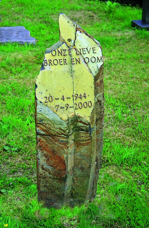 Urnensteen US-40 NW