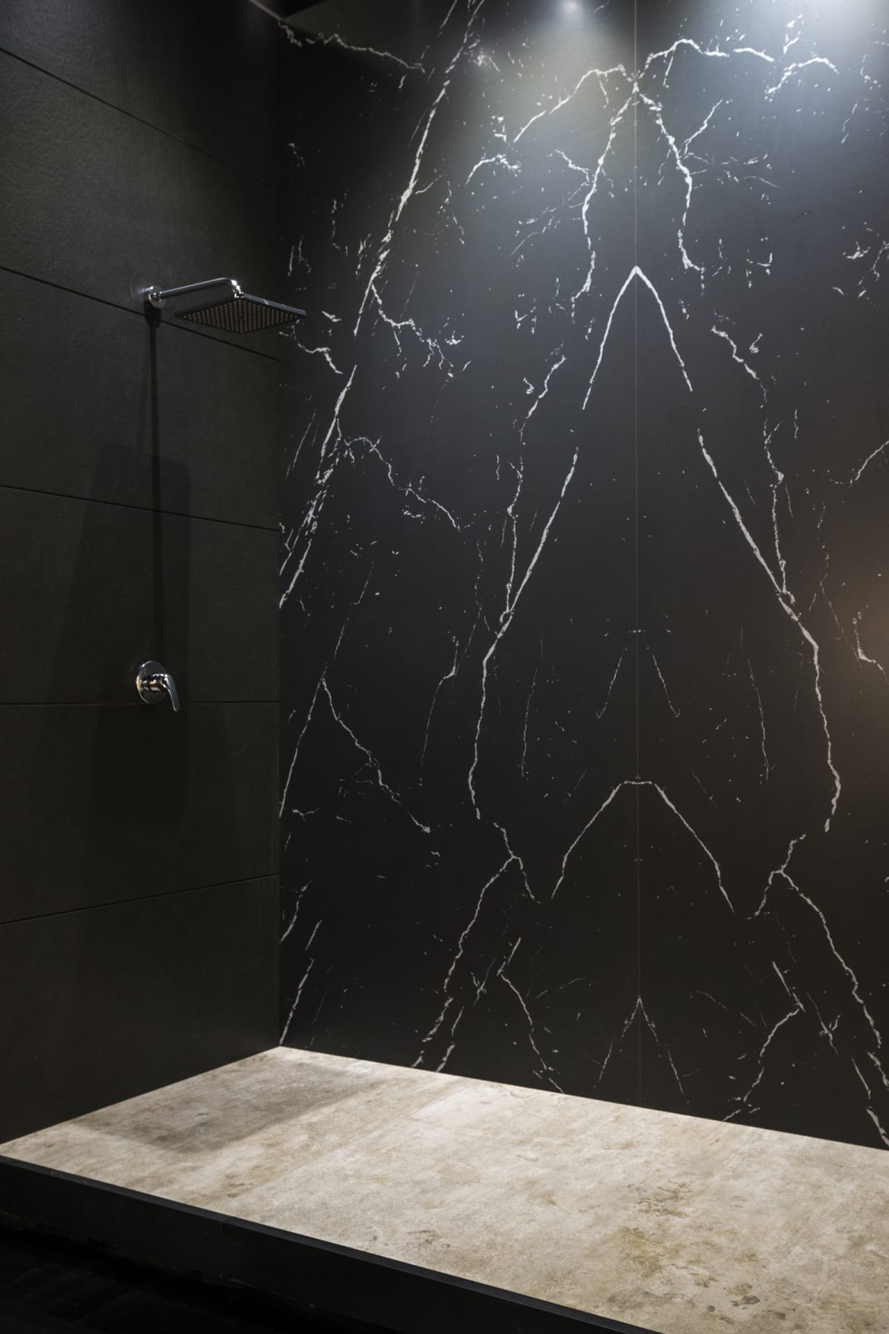 Neolith Nero marquina vloer