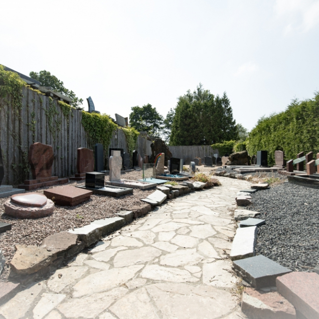 Budgetmodellen in de monumententuin van Hutting Natuursteen