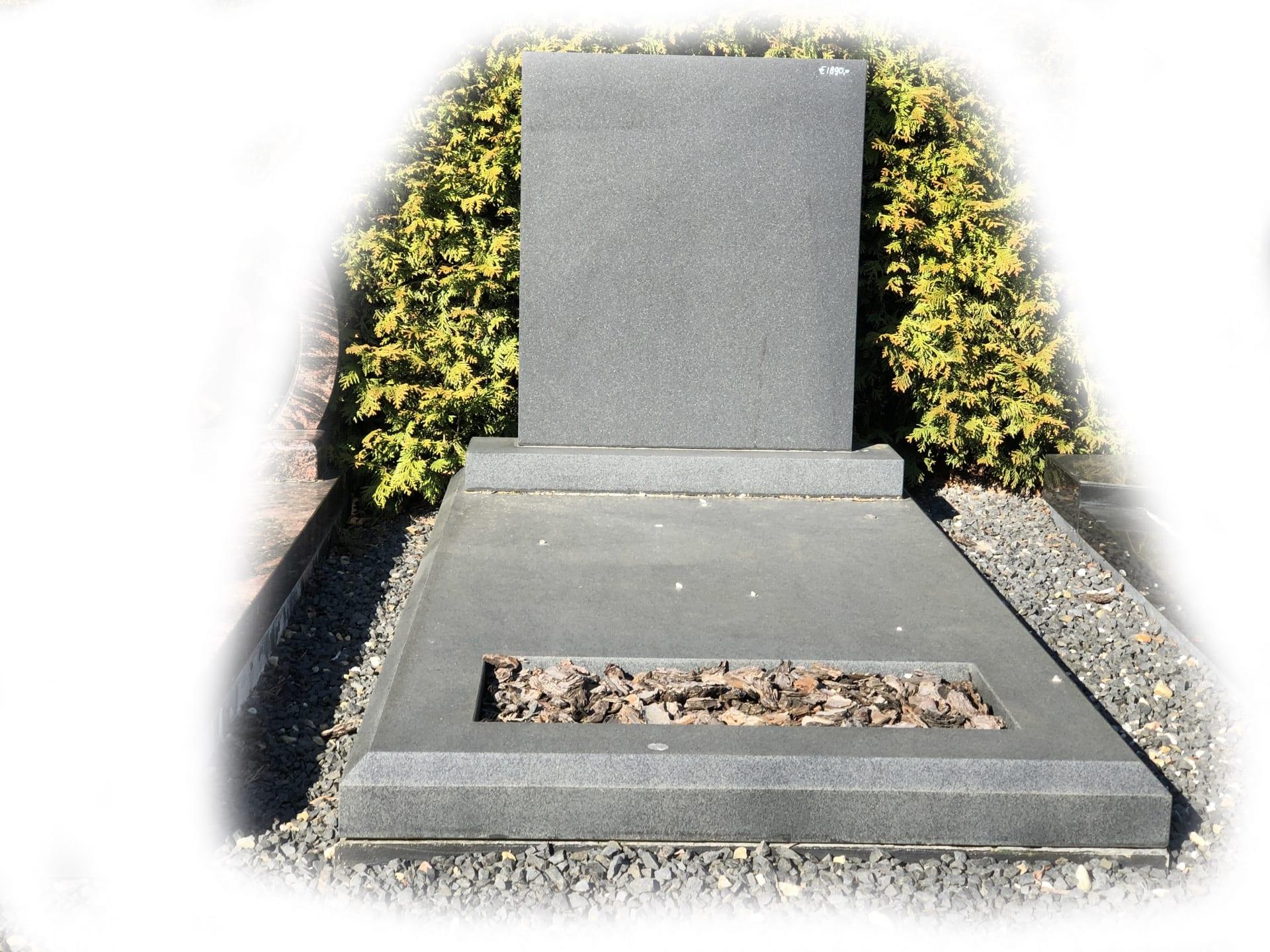 Grafsteen zwart graniet 7