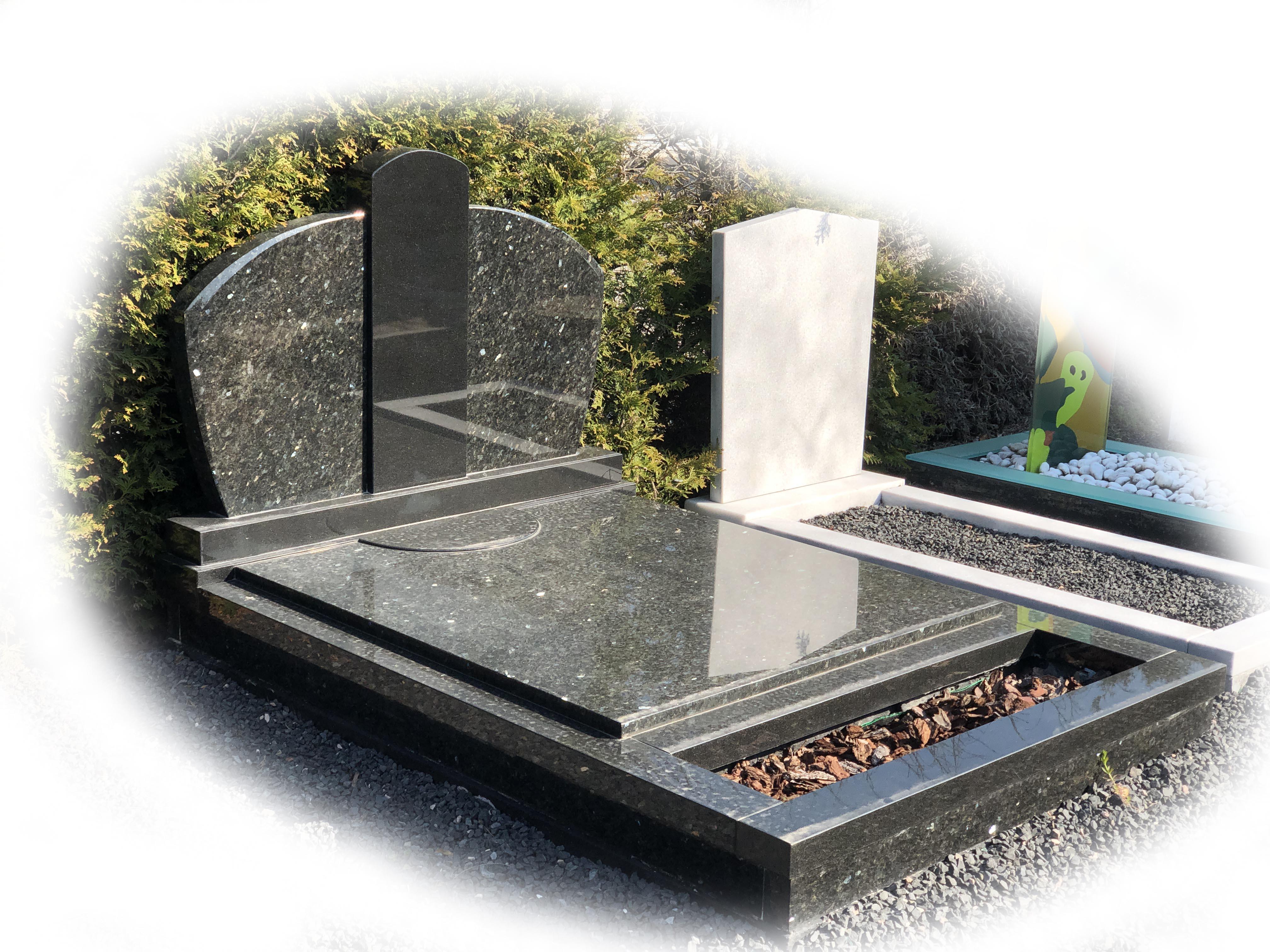 Grafsteen Zwart Graniet met Donker Labrador Graniet 73