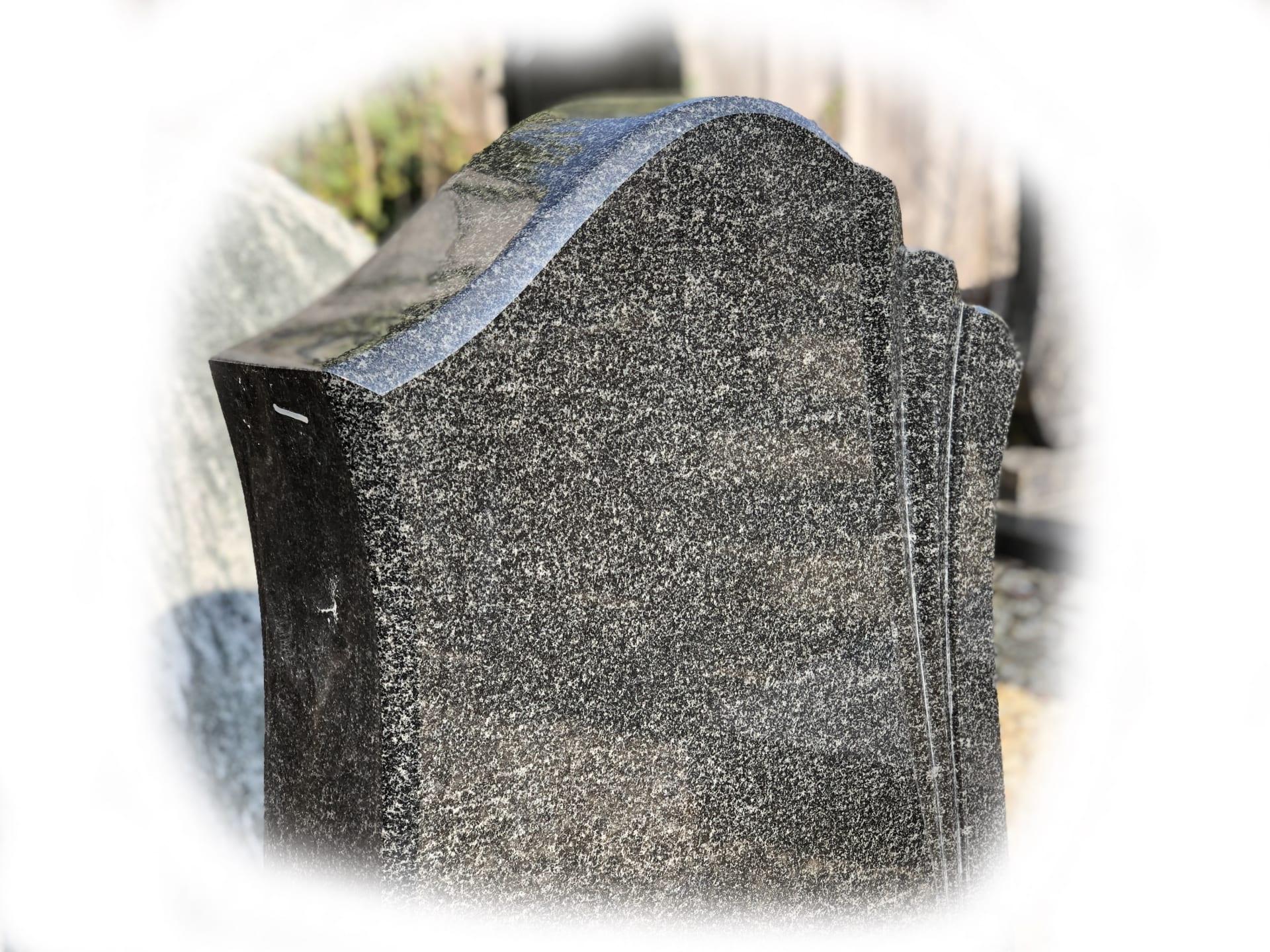 Grafsteen Gabbra Graniet 94