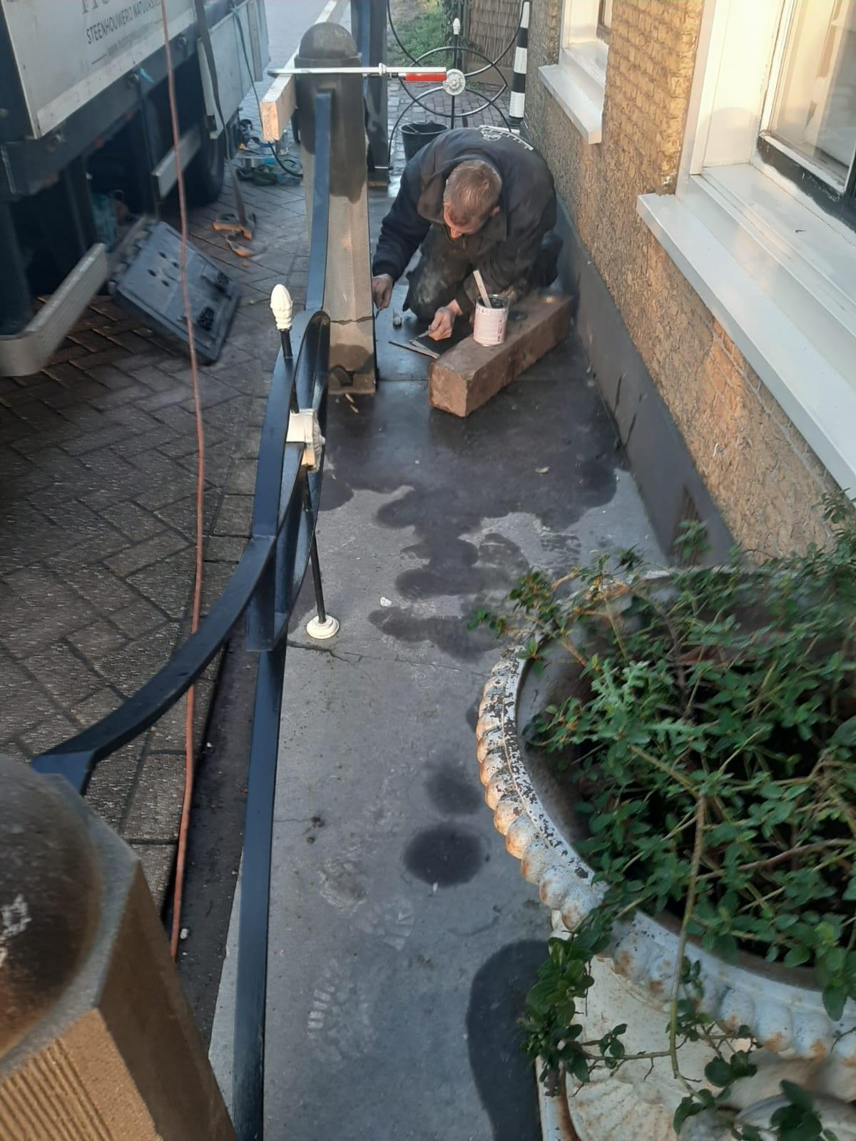 ROTTERDAM – Restauratie Hardsteen stoeppalen